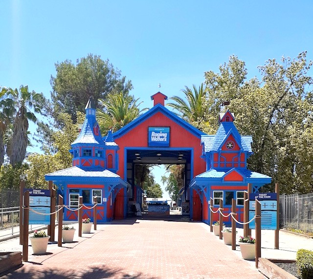 Raging Waters Sacramento front gate